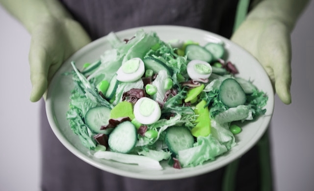 Green vegetables - healthy food and proper nutrition are not the same
